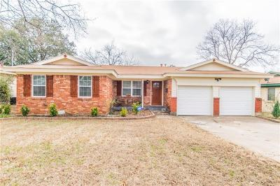 Bedford, Euless, Hurst Single Family Home Active Option Contract: 332 Lawana Drive