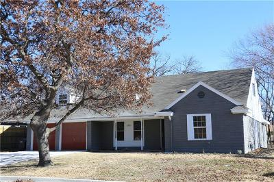 Fort Worth Single Family Home For Sale: 5333 Waits Avenue