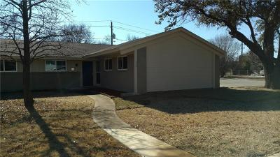Grand Prairie Single Family Home Active Option Contract: 433 Sparks Street