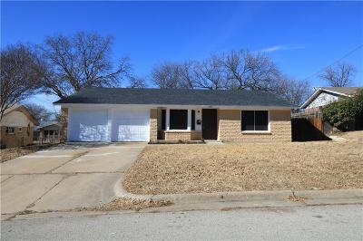 Haltom City Single Family Home For Sale: 4537 Dee Lane