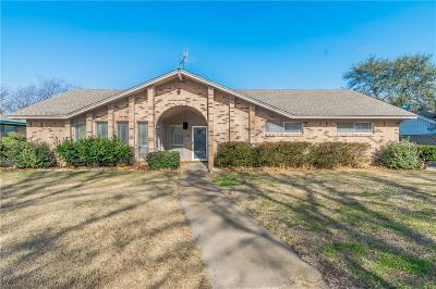 Grand Prairie Single Family Home For Sale: 1414 Roman Road