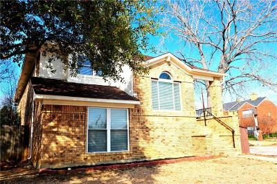 Carrollton Single Family Home For Sale: 1505 Golden Gate Drive