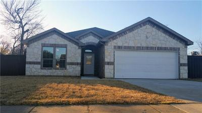 Grand Prairie Single Family Home For Sale: 207 SE 12th Street