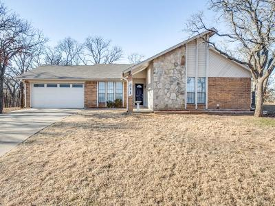 Mansfield Single Family Home For Sale: 211 Willow Creek Court