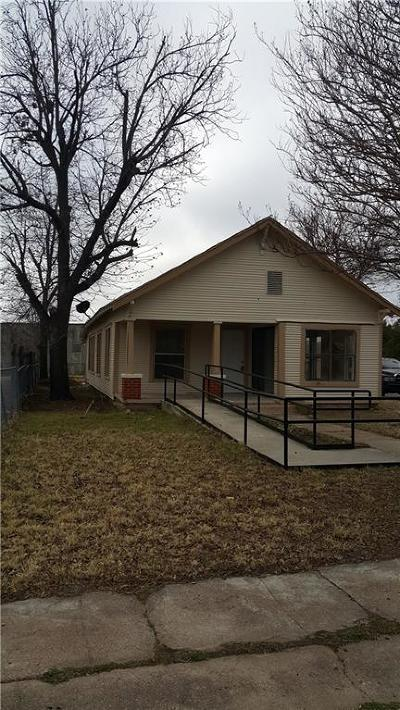 Single Family Home For Sale: 610 W Grand Avenue