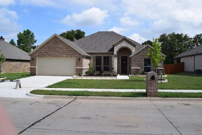 Azle Single Family Home For Sale: 590 Ascot Way