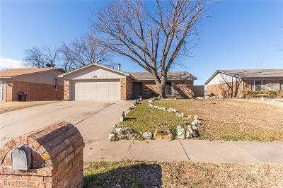 Saginaw Single Family Home For Sale: 1209 N Knowles Drive
