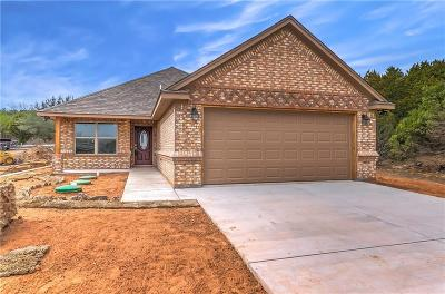 Granbury Single Family Home For Sale: 2410 Beverly Drive