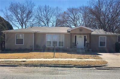 Haltom City Single Family Home For Sale: 5012 Monette Street