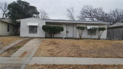Grand Prairie Single Family Home For Sale: 1105 Shawnee Trace