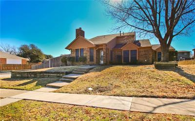 Lewisville Single Family Home For Sale: 320 Creekmeadow Lane