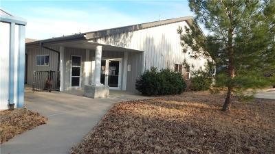 Mineral Wells Commercial For Sale: 701 Garrett Morris Parkway