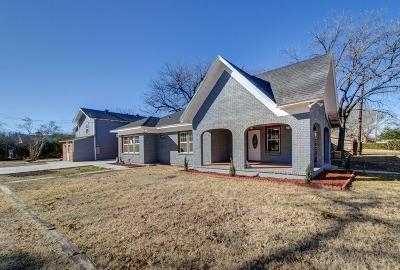 Justin Single Family Home For Sale: 603 W 5th Street