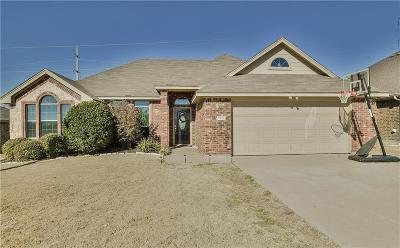 Granbury Single Family Home For Sale: 7326 Mistletoe Trail