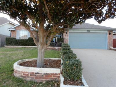 Grand Prairie Single Family Home For Sale: 4323 Meriden Court