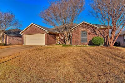 Mansfield Single Family Home For Sale: 2314 Charleston Drive