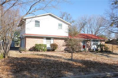Haltom City Single Family Home For Sale: 5725 Ammons Street