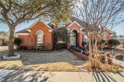 Keller Single Family Home For Sale: 914 Rush Creek