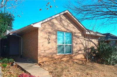 Lewisville Single Family Home Active Option Contract: 709 Red Oak Drive