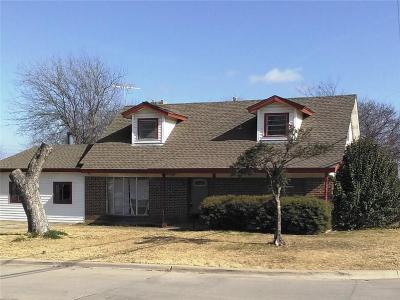 Saginaw Single Family Home For Sale: 837 S Hampshire Street