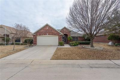 Denton Single Family Home For Sale: 9513 Applewood Trail