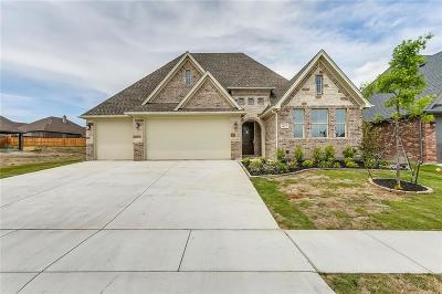 Burleson Single Family Home For Sale: 425 Blue Star Court