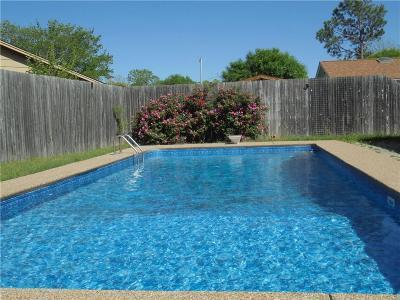 Arlington Single Family Home For Sale: 1615 Overbrook Drive