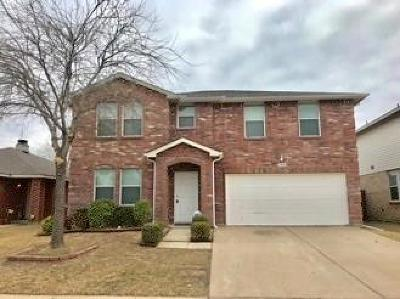 Fort Worth Single Family Home For Sale: 3945 Thoroughbred Trail
