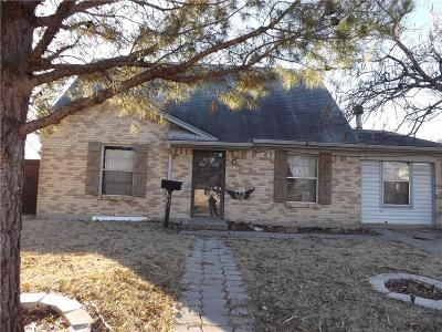 Garland Single Family Home For Sale: 901 Peace Rose Avenue
