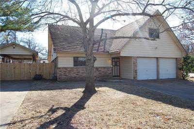 Kennedale Single Family Home For Sale: 207 Bowles Court