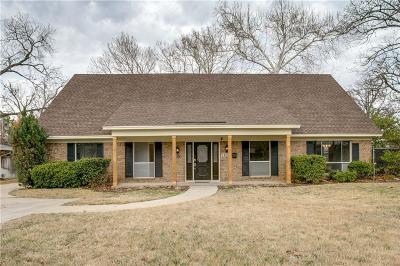 Arlington Single Family Home For Sale: 1205 Brittany Lane