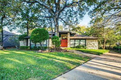 Arlington Single Family Home For Sale: 2727 Steamboat Circle