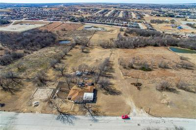 White Settlement Single Family Home For Sale: 1046 Lake View Ridge