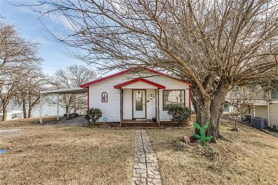 Azle Single Family Home For Sale: 6908 Quarteroaks Drive