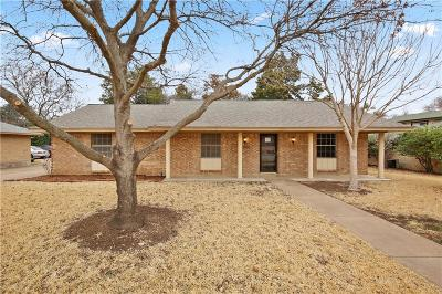 Cedar Hill Single Family Home For Sale: 1503 Sharon Drive