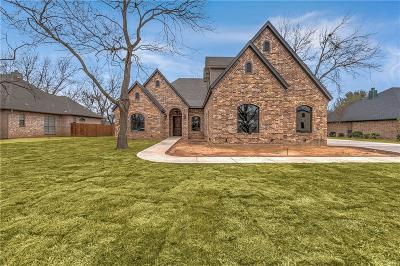 Granbury Single Family Home For Sale: 8920 Green Leaves Drive