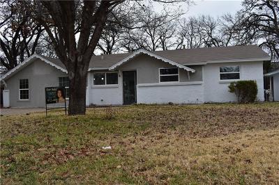 Bedford Single Family Home For Sale: 164 Oakhurst Drive