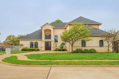 Pantego Single Family Home For Sale: 2922 Mistletoe Court