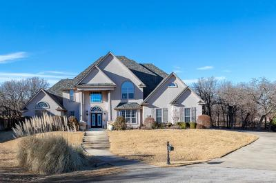 Runaway Bay Single Family Home For Sale: 106 Manders Court