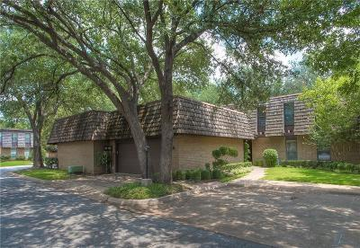 Single Family Home Active Option Contract: 3027 Tanglewood Park E