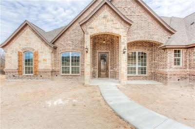 Azle Single Family Home For Sale: 183 Champion Way