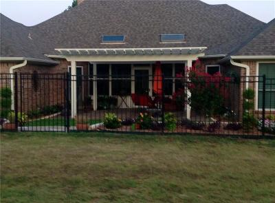 Fort Worth Single Family Home For Sale: 11609 Pine Creek Court