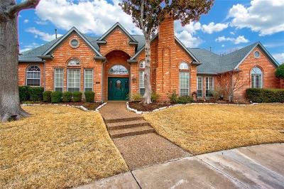 Dallas Single Family Home For Sale: 6907 Maple Creek Lane