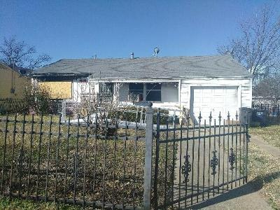 Single Family Home For Sale: 2912 S Hughes Avenue