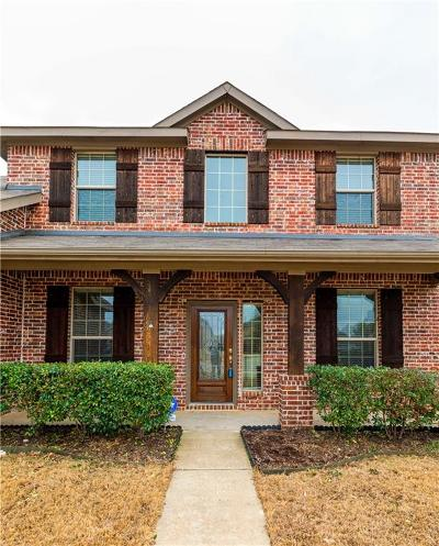 Arlington Single Family Home For Sale: 500 Valencia Drive