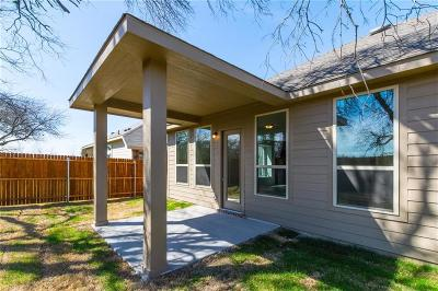 Fort Worth Single Family Home For Sale: 2400 Whispering Pines Drive