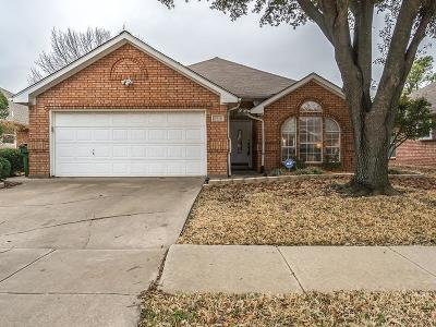 Bedford Single Family Home For Sale: 2216 Tiffany Glenn Court