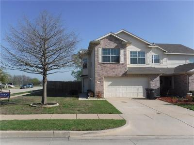 Fort Worth Residential Lease For Lease: 7572 Howling Coyote Lane