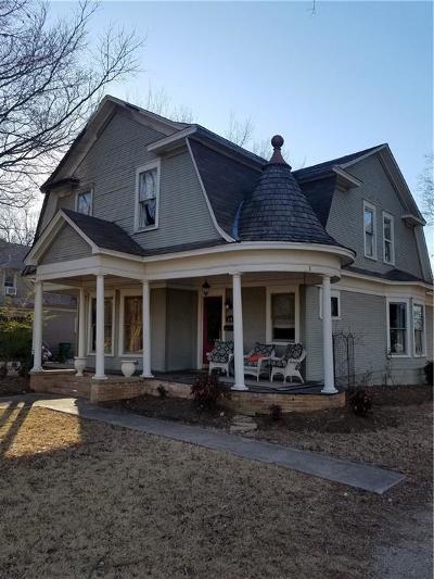Whitesboro Single Family Home For Sale: 510 E Main Street