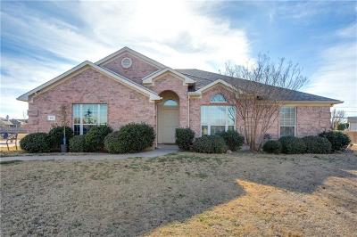 Aledo Single Family Home For Sale: 105 Meadow Glen Court